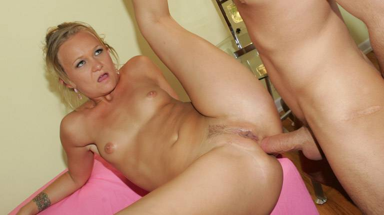 See erotic mature Katie Gold pussy fucked